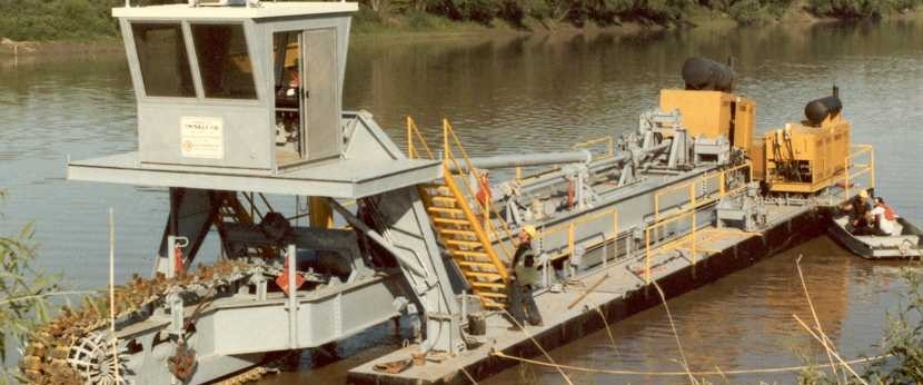 """10"""" L-Series dredge with Linear Cutter"""